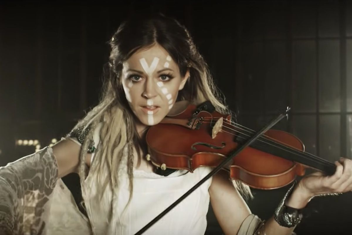 lindsey-stirling-bio-wiki-age-height-weight-career-education-boyfriend-dating-recent-songs-social-media-net-worth