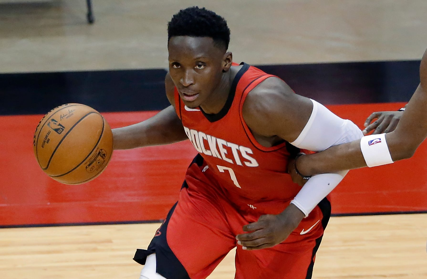 victor-oladipo-bio-age-career-height-body-stat-net-worth-game-stat